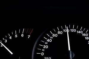 spidometer-with-100kph-on-it-1160068